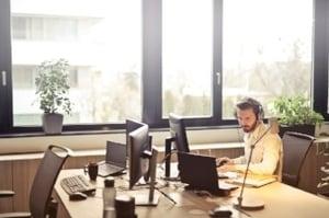 empty desk 320
