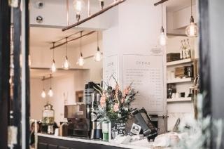 restaurant-320 px.jpeg