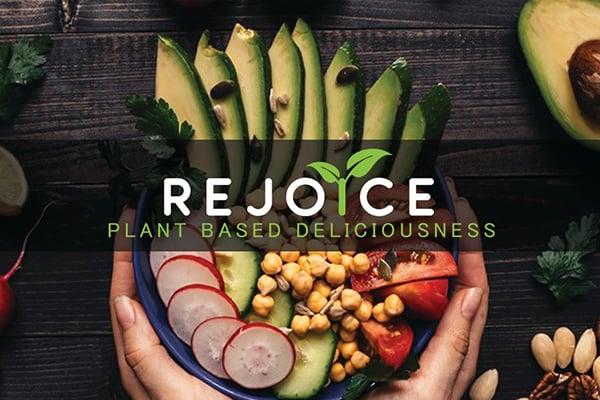 Rejoice Lounge is located in Geneva, IL.
